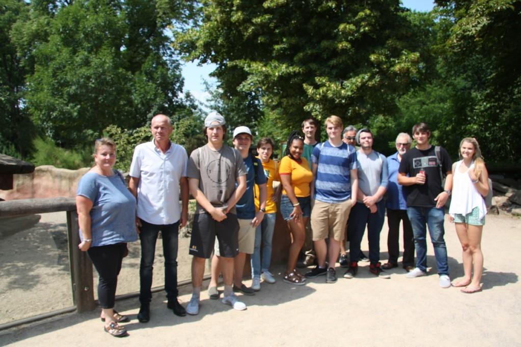 Schüler aus Nashville zu Gast im Zoo