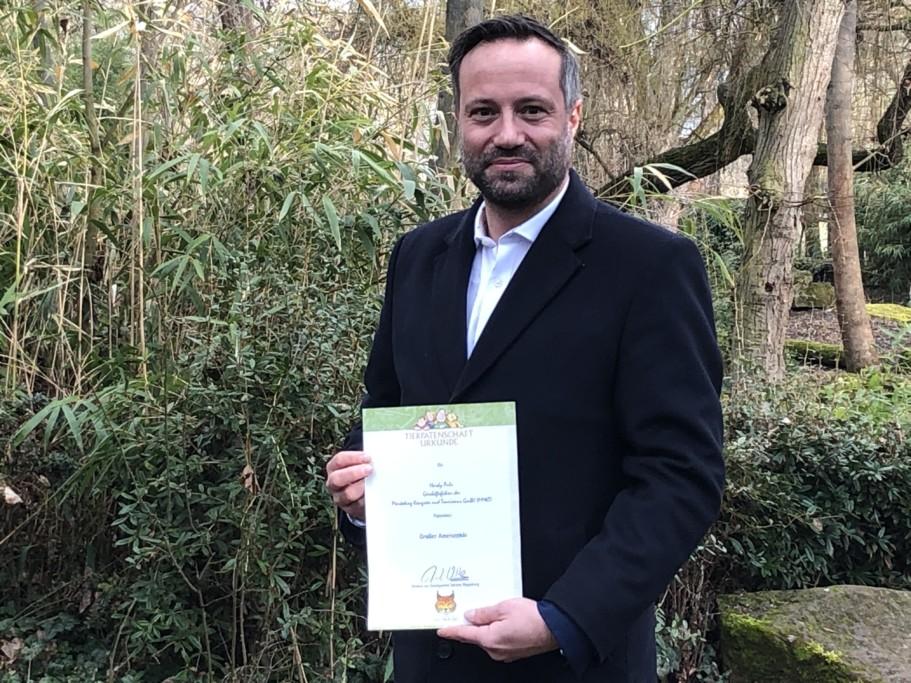 Hardy Puls / MMKT-Geschäftsführer übernimmt Tierpatenschaft für das Ameisenbär-Jungtier_Zoo Magdeburg